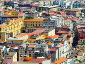A-Napoli-si-fanno-i-conti-con-la-storia-e-lo-sviluppo-prima-che-altrove